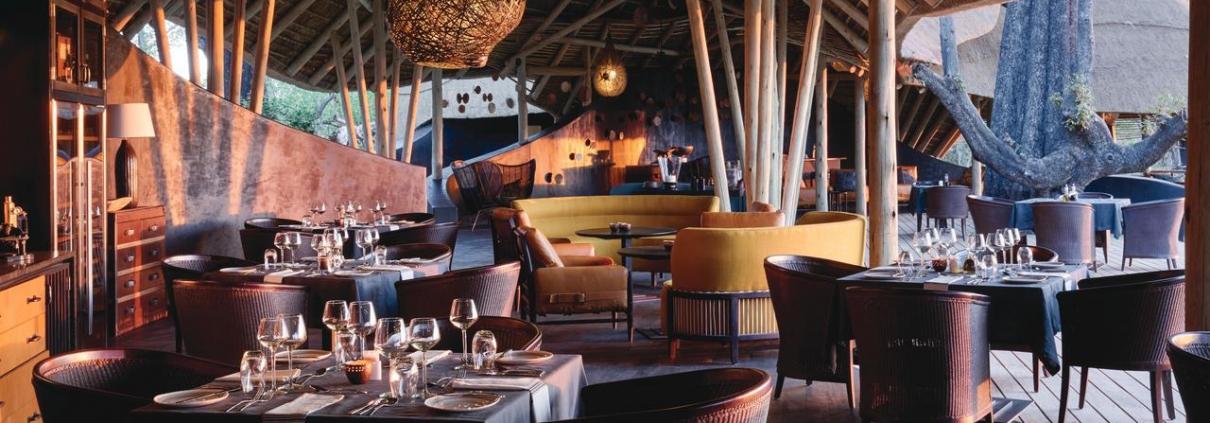 Restaurant at Eagle Island Lodge